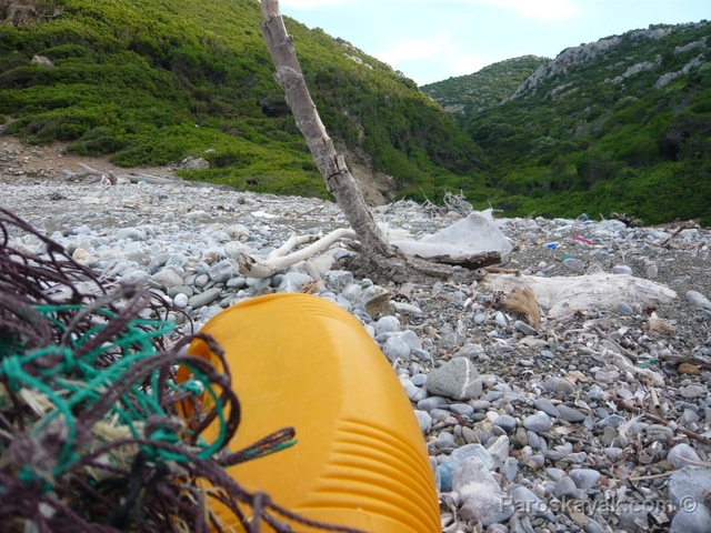 Voice of the Aegean marine debris