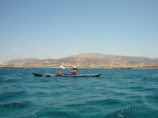 Crossing to the offshore islets and heading to Agios Spyridonas islet